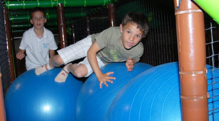Un Maxi Labyrinthe pour les 5 - 12 ans